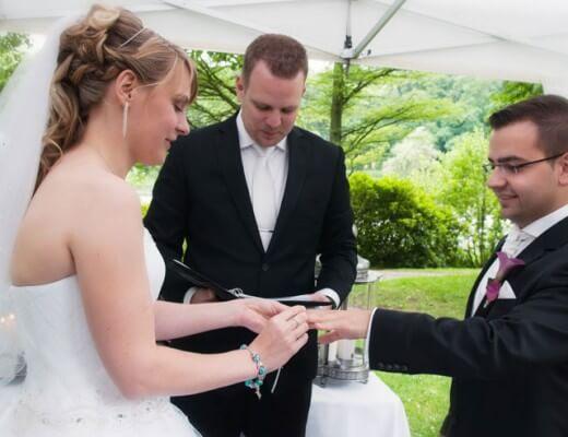 Hochzeitsredner, Trauredner, Freier Theologe, Pastor, Zeremonienleiter, Hochzeit, Heiraten,